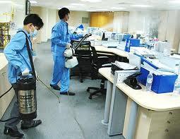 Dịch vụ vệ sinh văn phòng tại nhật an-2 - Diệt côn trùng1