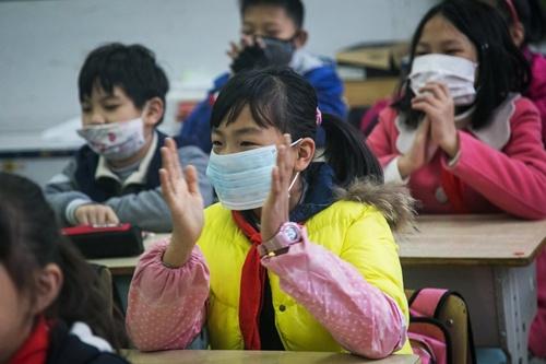 Trường học là môi trường dễ bị lây bệnh cho trẻ